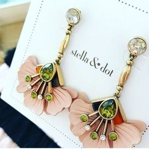 :: Stella & Dot Leather Blush Flower Earrings